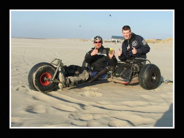 Jan Lageweg and Joey Speksnijder. kitebuggy-Sideride PB. 73.3 km/u  -  45.5 MPH